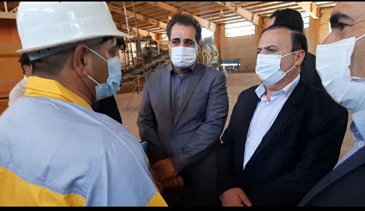 بازدید استاندار ایلام از شرکت آجر سازی نقشینه و زرین سازه صالح آباد